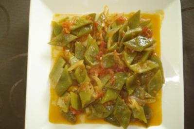 Grüne Bohnen mit Tomatensoße - Rezept