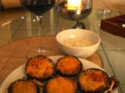 Auberginen mit Feta gefüllt, und mit Parmesan überbacken - Rezept