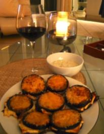 Rezept: Auberginen mit Feta gefüllt, und mit Parmesan überbacken