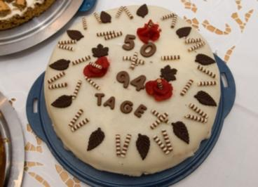 Kuchen-Mohntorte mit Marzipandecke - Rezept