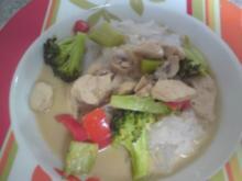 Hühnchen mit Grüner Curry Paste - Rezept