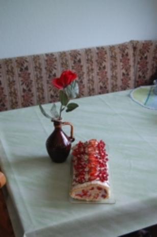Erdbeer - Buisquit-Rolle - Rezept - Bild Nr. 3