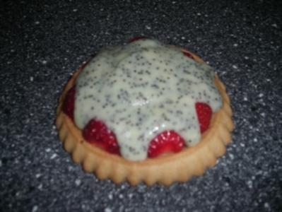 Erdbeer-Mohn-Törtchen - Rezept