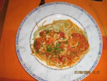 Spaghetti  mit Tomaten-Calamari-Soße - Rezept