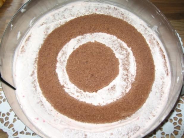 Erdbeer-Schachbrett-Torte - Rezept - Bild Nr. 8