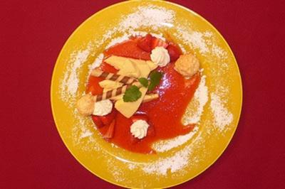 Geeiste Zitronenzabaione mit Erdbeeren - Rezept - Bild Nr. 9