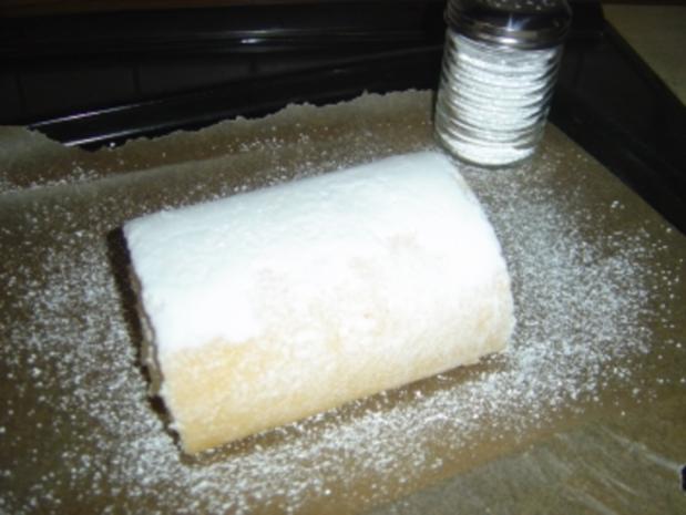 Biskuit-Zitronen-Rolle - Rezept - Bild Nr. 2