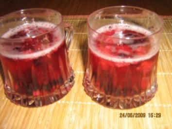 Spritzige Beeren-Bowle - Rezept