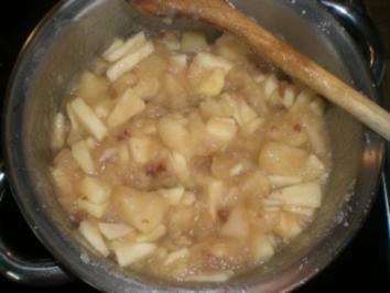 Apfelkompott mit Rosinen - Rezept