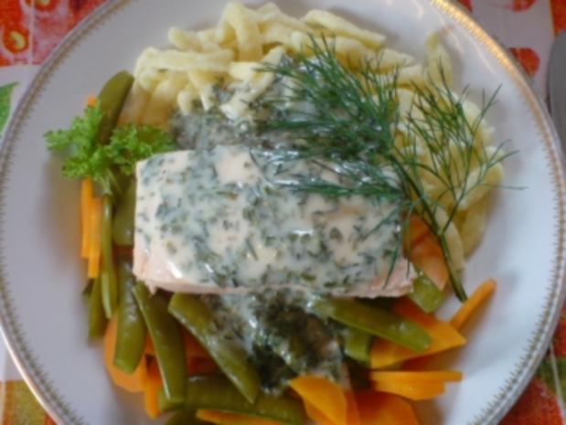 Lachsfilet in Kräuter-Wein-Sauce - Rezept - Bild Nr. 2