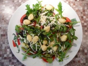 Gnocchi trifft Tomate und Rucola - Rezept