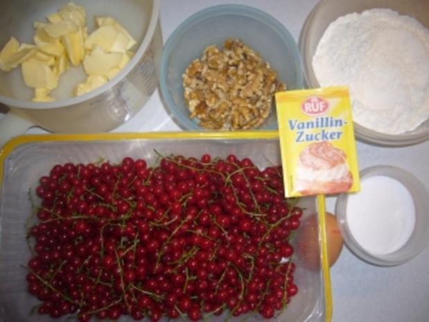 Kikis Johannisbeer-Walnusstreusel-Kuchen - Rezept - Bild Nr. 2