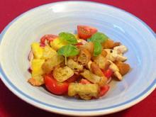 Fruchtiger Ananas-Cocktailtomaten-Ciabatta-Salat mit Poulardenbrüstchen - Rezept