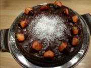 Schokoladentorte mit Erdbeerpüree - Rezept