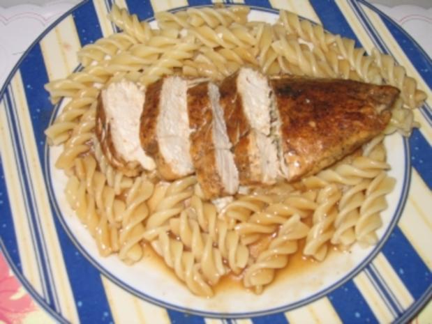 Hauptgericht: Hähnchenbrustfilet, Geflügelsoße mit Spirelli und Tomatensalat - Rezept - Bild Nr. 8