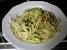 Paprika-Zucchini-Thunfisch Pasta - Rezept