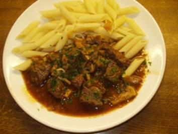 Rindsragout in Rotweinsauce - Rezept
