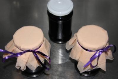 Gelee aus schwarzen, weißen  oder roten Johannisbeeren mit Schuss - Rezept