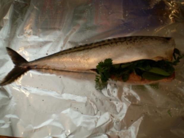 Makrele, gut verpackt aus dem Backofen - Rezept - Bild Nr. 2