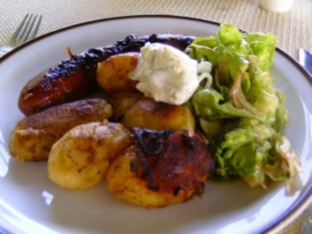 Bauernbratwurst mit neuen Kartoffeln - Rezept