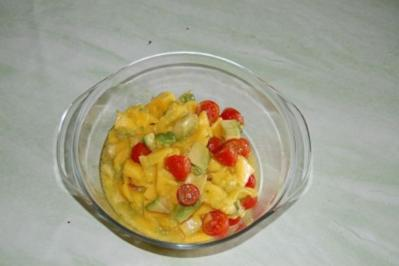 Avocado-Salat mit Mangostreifen - Rezept