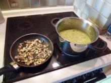Kartoffel-Lauch-Suppe mit Pfifferlingen - Rezept