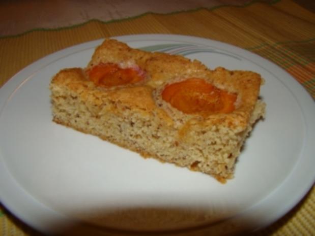 Schneller Marillen - Nuss - Kuchen - Rezept - Bild Nr. 2