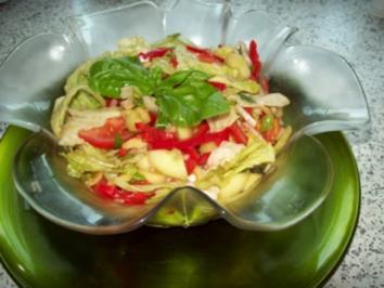 Bunter Salat mit Basilikum - Rezept