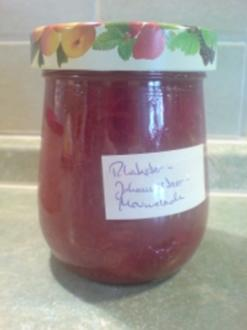 """Marmelade """"Johannisbeere-Rhabarber"""" - Rezept"""