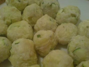 Zucchini-Parmesan-Klößchen - Rezept