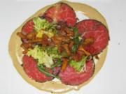 Rinderfiletscheiben mit Tunfisch-Limonencreme, dazu Salat von Pfifferlingen - Rezept
