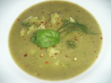 Scharfe Broccoli-Cremesuppe - Rezept
