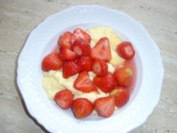 Vanillepudding mit Erdbeeren - Rezept