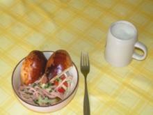 Worschtsalat mit Salzbäckle - Rezept