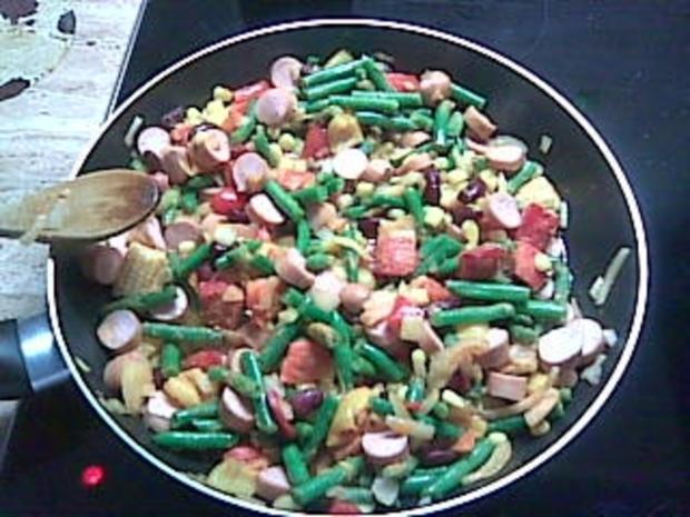 Gemüsepfanne mit Sahne und Wiener-Würstchen - Rezept - Bild Nr. 2