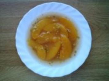 Pfirsich-Phantasie mit Pistazien - Rezept