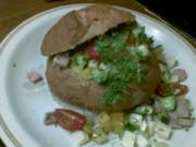 Bunter Salat im Mini-Brot - Rezept