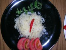 Krautsalat nach meiner Art - lecker zum Grillteller oder zu meinem Schweinebraten - - Rezept