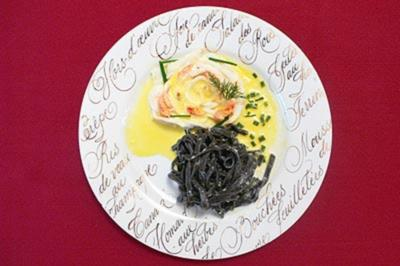 Steinbuttblüte auf Limettenschaum mit frischen Nudeln aus dem Parmesanrad - Rezept - Bild Nr. 9