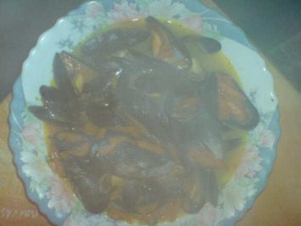 Muscheln im Kräutersud - Rezept