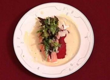 Lauwarmes Lachsfilet mit marinierter Rote Bete und Vinaigrette (Korff und Leuchtmann) - Rezept