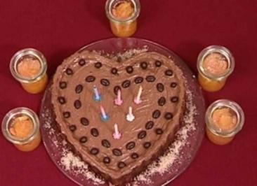Geburtstags-Mokka-Herz mit Orangen-Zitrusfrüchteragout (Korff und Leuchtmann) - Rezept