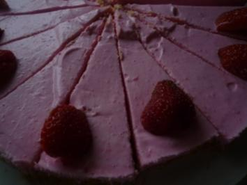 Erdbeerquarktorte ohne Backen - Rezept