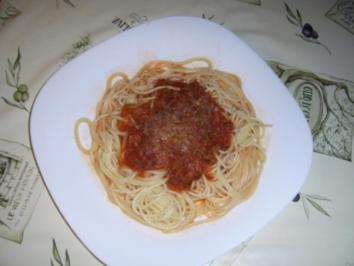 Frische Kräuterbolognais an Spagetti - Rezept