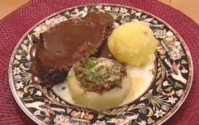 Rezept: Sächsischer Sauerbraten mit Aprikosenknödel & Kohlrabischiffchen