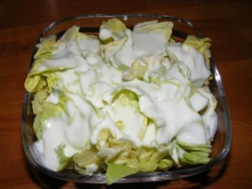 Kopfsalat mit einem sauere Sahne Dressing - Rezept