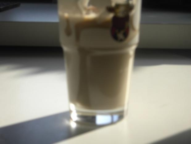 Getränke - warm - Veilchen-Cappuccino - Rezept