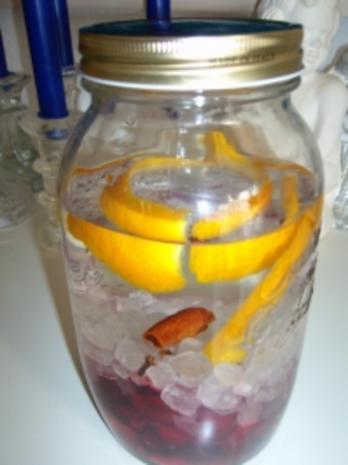Kirschlikör mit Wodka - Rezept