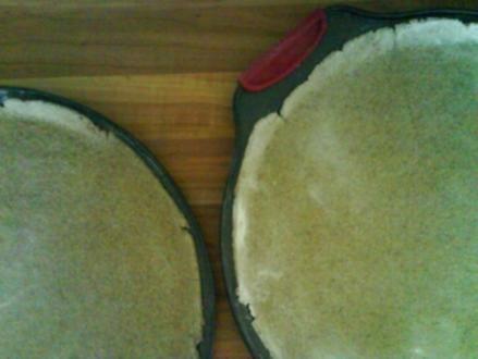 Pizzateig für 2 runde Pizzas / 1 Backblech /2 Calzone - Rezept