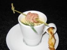 Sauerkrautcappuccino mit Nordseekrabben und Kümmelstange - Rezept